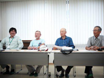 「拝島ねぎ保存会」の方々と収穫体験の打合せを行いました。